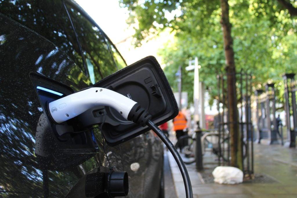 borne de recharge et parking